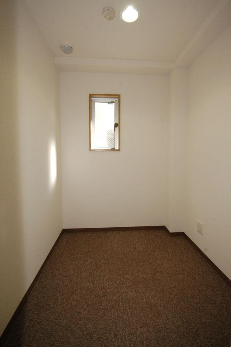 Room_J